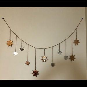 Star wall decor chain